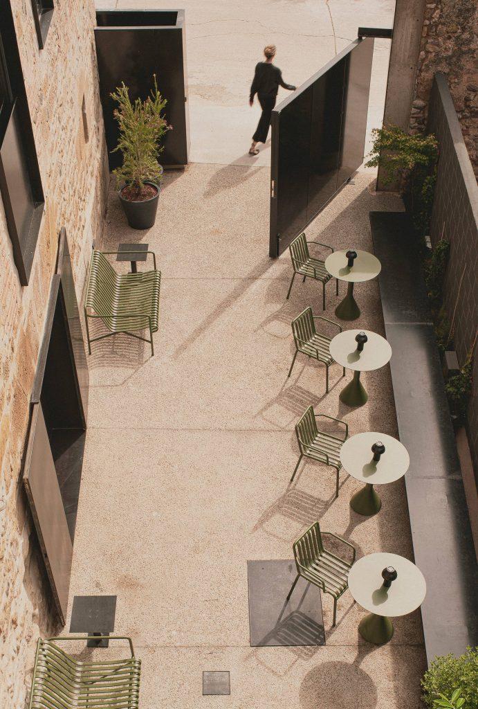 patio en hotel Casa Grande la Rioja restaurante